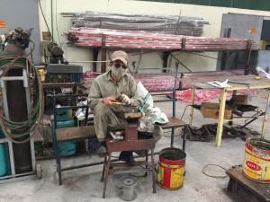 ベトナム人の工場ワーカー