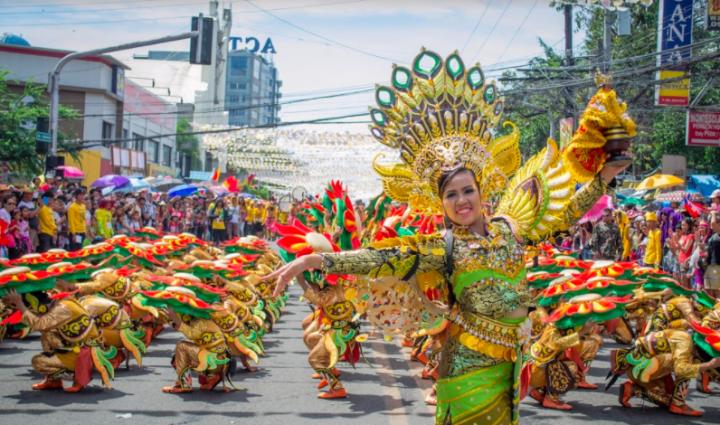 二度と参加したくない。フィリピン・セブ最大級の祭りシヌログ祭りとは